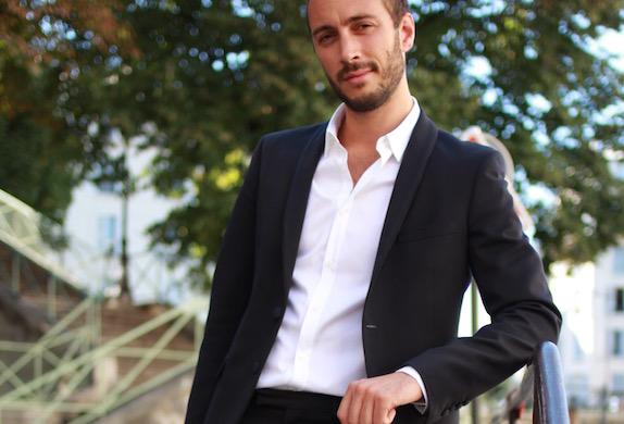 photo de nicolas dolteau illustrant l'article de blog présentant le métier de coach en seduction